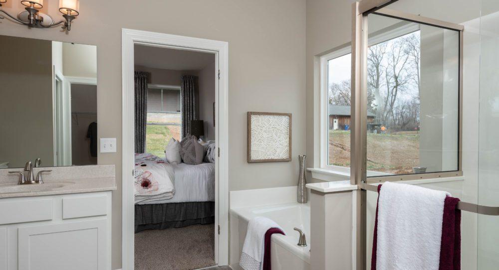 Owner's Bath new homes: Oakville Missouri